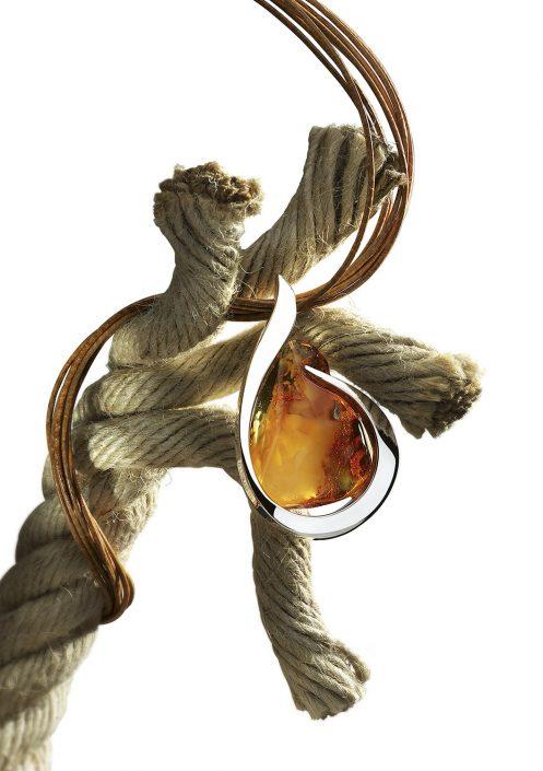 Publicité-corde collier-Balticambre